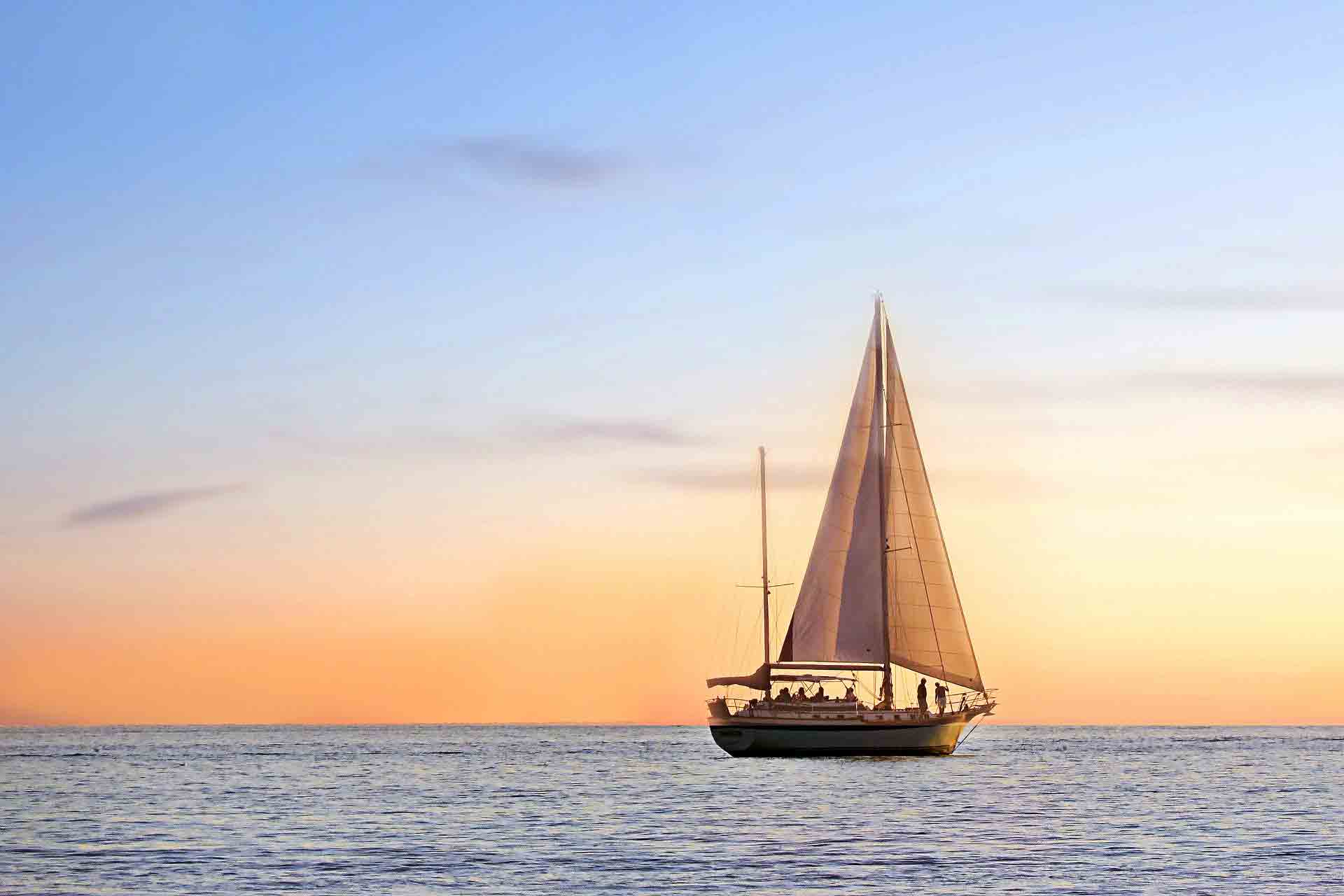 Isole-pelagie-Barca-a-vela