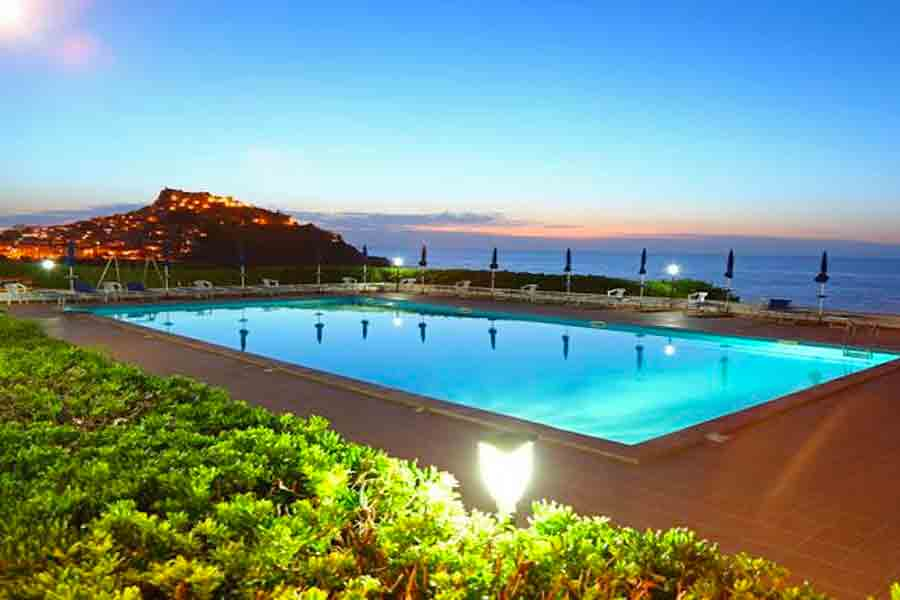 La-Baia-Village-Sardegna-piscina
