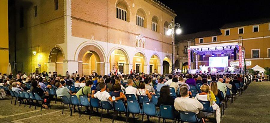 Passaggi- Festival in-piazza a fano